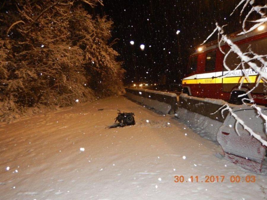 Dopravný chaos v Banskobystrickom kraji, na sneženie doplatila aj mladá vodička, foto 3