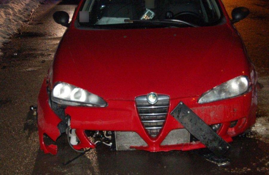 Mladý Banskobystričan šoféroval s dvomi promile, na alkohol doplatil pri prejazde kruhového objazdu, foto 3