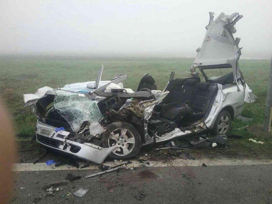 Tragická nehoda! Zrážku auta s vlakom neprežili dvaja mladí ľudia, hlásia aj viacero zranených, foto 1