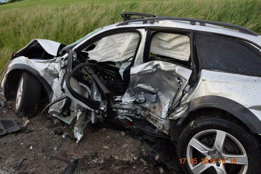 Tragická nehoda: Vodič Audi nedal prednosť v jazde a po zrážke prišiel o život, foto 3