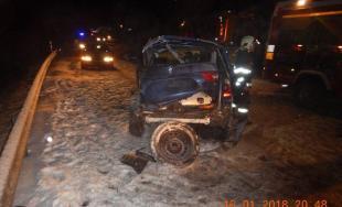 Zbytočná smrť na ceste. Vodič zrážku so smetiarskym autom neprežil, na snehu išiel príliš rýchlo